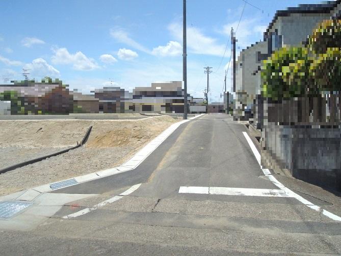 2~6区画前面道路(南西側)